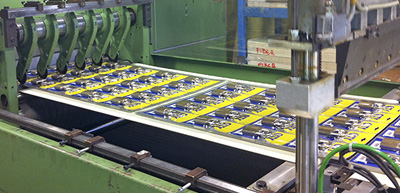 Prestation emballage SkinPack, conditionnement film et carton, ESAT ETAI Jacques Henry, Vitry Sur Seine, IDF<br />